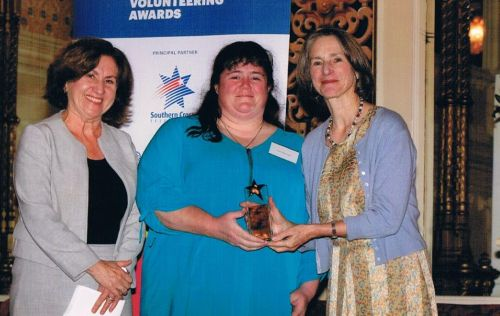 Jenny Dodd, governor of Tasmania, Kate Warner, volunteer winner, Fiona Armstrong
